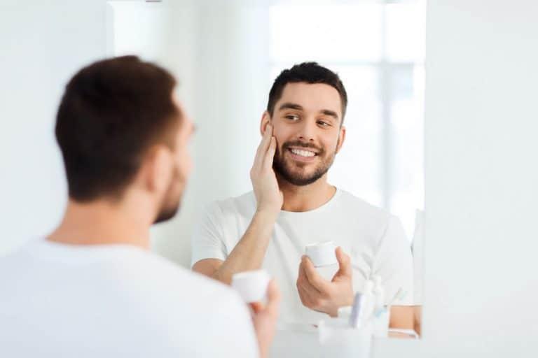 Rekomendasi Skincare Rutin untuk Cowok, Simple dan Bermanfaat - Bolehshop