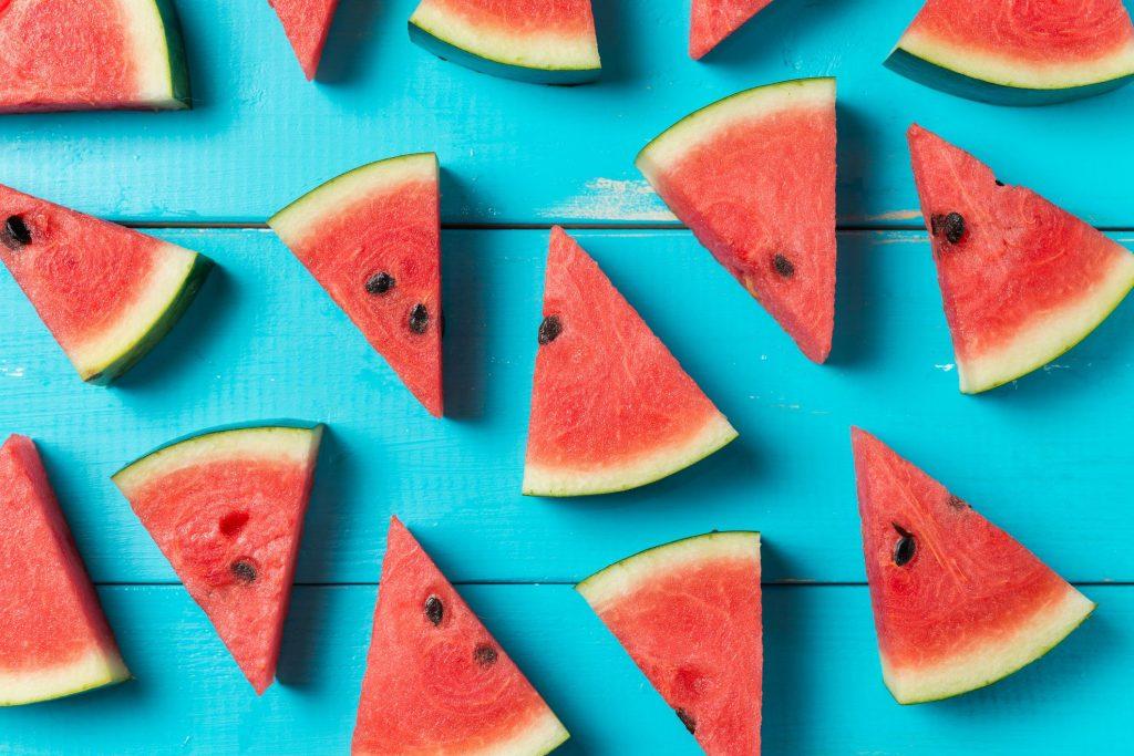 Buah semangka adalah makanan yang dapat menghidrasi tubuh