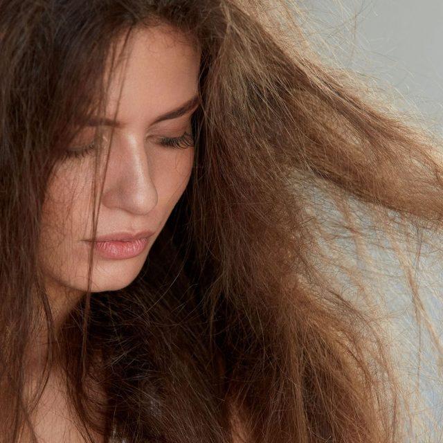 Cara menata rambut rusak – Ditambah tips bagus untuk memperbaikinya